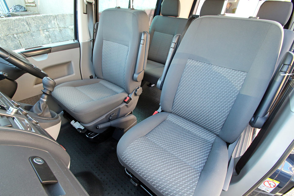 Driver and Passenger Seats of VW T32 SWB 60 Edition Sportline Kombi